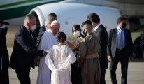 Papa Francis, Erbil'de zeytin dallarıyla karşılandı(video)