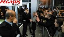 Pegasus çalışanı yolculara küfür etti!