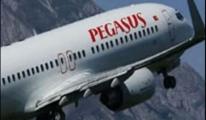 Pegasus Pilotu Yolcularla Dalga Geçti!