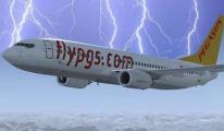 Pegasus Uçağına Yıldırım Çarptı