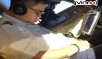 Pilot Kokpitte Uyurken Görüntülendi!video