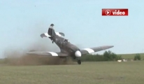 Pilot Uçağı Böyle Takla Attırdı video