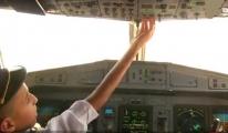 Pilot Uçağın Kontrolünü 12 Yaşında Çocuğa Bıraktı