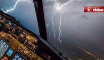 Pilot,Uçağımıza Yıldırım İsabet Etmiştir,