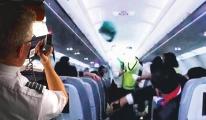 Pilotun yalan anonsu yolcuları çıldırttı!
