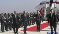 Priştine Havalimanı'nda Erdoğan'a sevgi seli