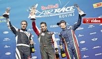 Red Bull Air Race Mücadelesi nefesleri kesti