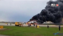 Rus uçağı yanarak indi!video
