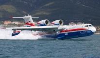 Rus yangın söndürme uçağı Be-200 İstanbul semalarında