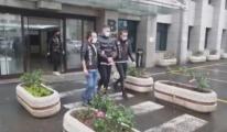 Şarkıcı Murda havalimanında gözaltına alındı