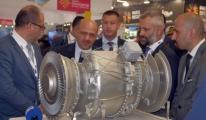 Savunma Bakanı Işık Paris Havacılık Fuarında (Video)