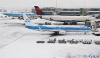 Schiphol'deki uçak seferleri iptal edildi
