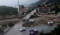 Sinop'taki selde köprünün yıkılış anı kamerada #video