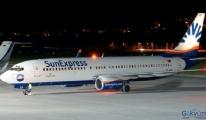Sunexpress uçağı İstanbul'a acil iniş yaptı