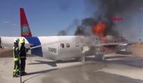 Tatbikat için yakılan uçak paniğe neden oldu #video