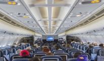 Tayland'da uçaklarda ikram düzenlemesi