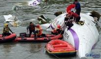 TransAsia uçağı düştü 40 kişi hayatını kaybetti.