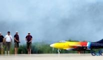 Jet motorlu model uçaklar gökyüzüyle buluştu.