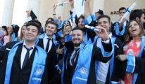 THK Üniversitesi, İzmir'de mezunlarını verdi