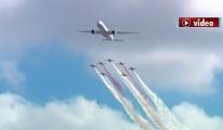 THY Boeing 777 ile Türk Yıldızları yan yana uçacak!