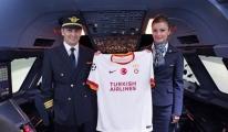 THY Galatasaray'a sponsor oldu!