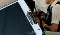 THY hostesi yolcunun telefonunu kırdı!