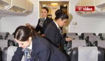 THY Hostesleri Uçakta Halay Çekti