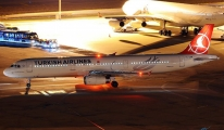THY İstanbul uçağı arızalandı yolcular mahsur kaldı!