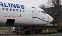 THY'nin pisten çıkan uçağı park pozisyonuna alındı