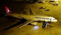 THY Uçağı Bükreş'te Pistten Çıktı
