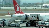 Hostes Uçağın Pilotu Rahatsızlandı Uçamıyoruz