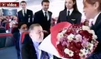 THY uçağındaki sürprizin kamera arkası!video