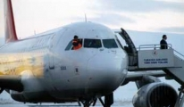 THY uçağının havadayken ön camı çatladı