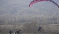 Turhal'da Mercimek Tepe Yamaç Paraşütü