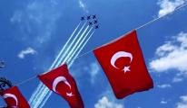 Türk Yıldızları'nın gösterisi nefes kesti#video
