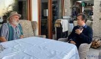 Tuzla Belediye Başkanı darp edilen yaşlı adamı ziyaret etti