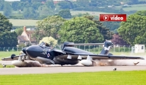 Uçak Gövde Üstü Piste İndi, Pilot Kurtuldu