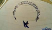 Uçak kanadında 1111 Kişi Yer Aldı...