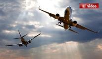 Uçakta Yolcular Kahkaha Krizine Girdi