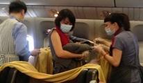 Uçakta Yolcunun Akciğeri Patladı
