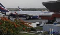 Ukrayna, Aeroflot Mürettebatını Uçaktan Çıkarmıyor!
