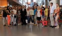 Ukrayna'dan Dolu Gelen Uçak Turizmcilerin Yüzünü Güldürdü