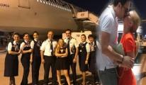 Ünlü şarkıcı, THY'deki pilotla aşkını anlattı