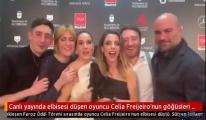 video Celia Freijeiro'nun göğüs uçlarına özgürlük
