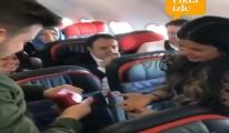 video Türk Havayolları uçağında evlenme teklifi