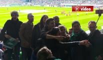 Werder Bremen'i Onur Air Uçuruyor video