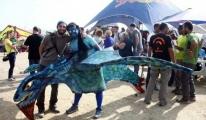 Yamaç Paraşütü Festivali'nde Kostümleriyle uçtular video