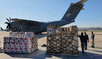 Yardım uçağı Somali'ye ulaştı