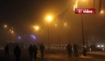 Yoğun sis uçak seferlerini aksattı