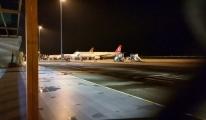 Yolcu uçağına bomba ihbarı! Vali havalimanına geldi#video